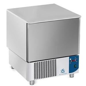SCHOCKFROSTER - MOD.AB05 - Luftkühlung - Kapazität Backbleche: 5 x GN 1/1 (cm 53x32,5) oder 5 cm 60x40 - Schnellkühlleistung: +70° +3° (23 kg) - Schnellfrostleistung: +70° -18° (12 kg ) - Außenmaße in cm (B x T x H): 77 x 76x 86/90 - CE-Kennzeichnung