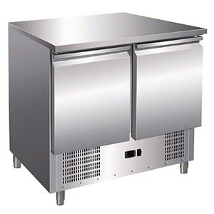 Saladette/Kühltisch TN - Edelstahl AISI 304 - Mod. V900 - statische Kühlung, unterstützt durch einen Lüfter für eine gleichmäßige Temperaturverteilung - Gastronorm 1/1 (53 x 32,5 cm) - 2 gekühlte Türen - Temperaturberereich: +2°/+8°C - Produktmaße (B x T x H): 90 x 70 x 86 - CE-Kennzeichnung
